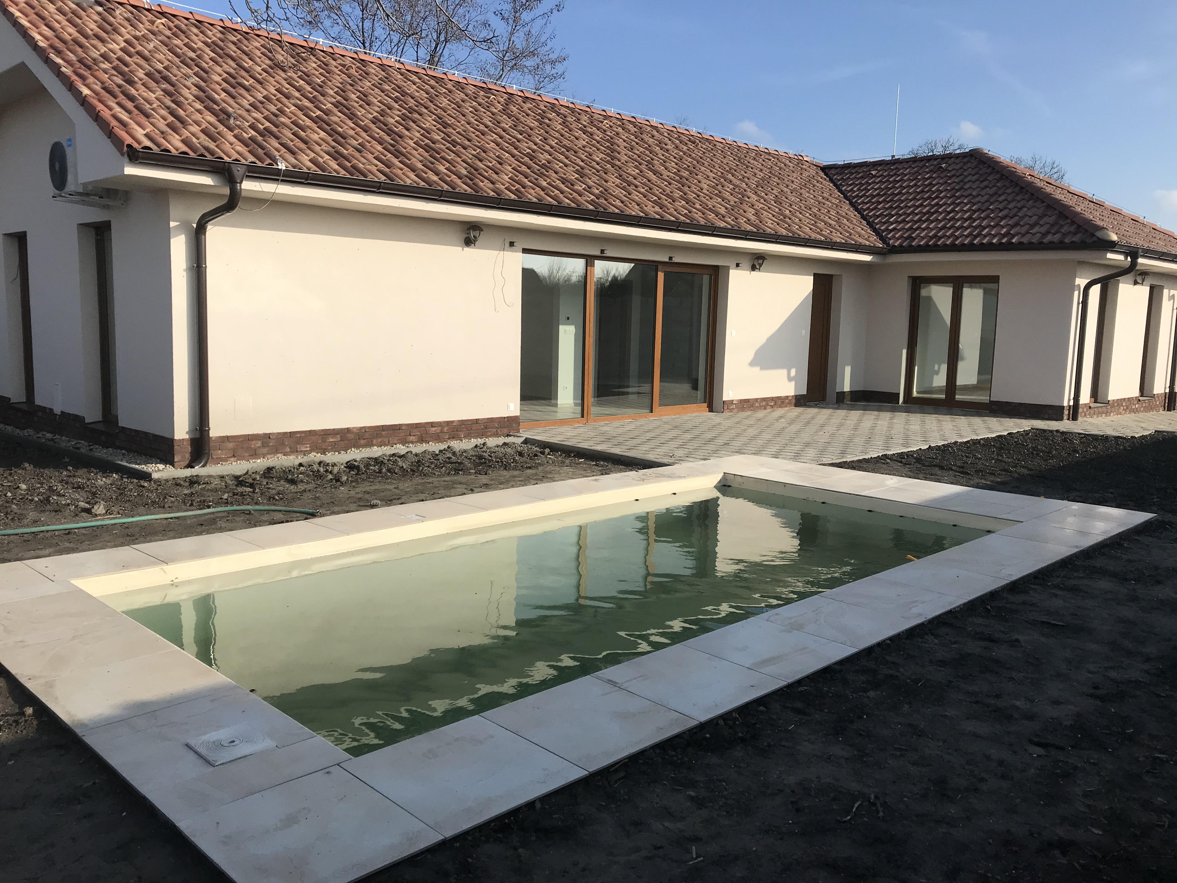 Rodinný dom za cenu bytu, Michal na Ostrove okres Dunajská Streda