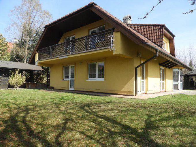 PREDANÉ- Priestranný rodinný dom na luxusnom pozemku